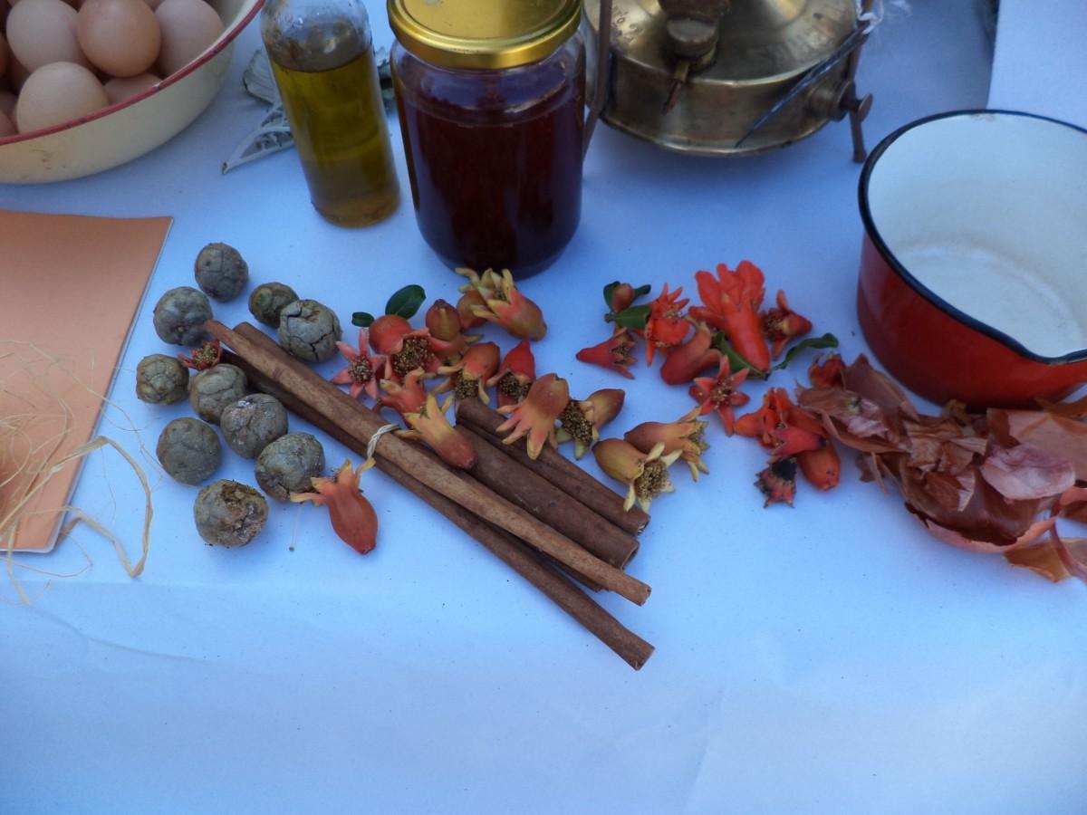βάψιμο αυγών φυσικό τρόπος κρεμμυδόφυλλα ριζάρι ηράκλειο κοκκινα αυγά
