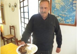 συνταγή γιαγιά μαγειρεύει κοκκινιστή κατσίκα
