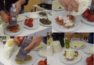 ντάκος ντομάτα μυζήθρα ρίγανη ελαιόλαδο