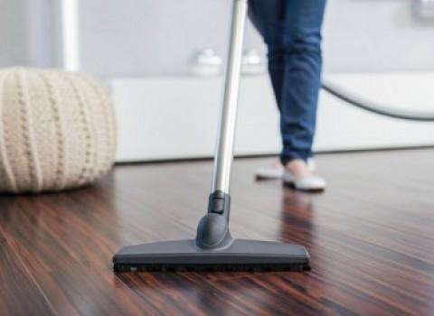 καθάρισμα σπίτι δουλειές σκούπα