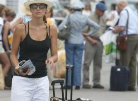 τουρίστες κρήτη κουμπαράκης σεζόν ξενοδοχεία υποδομές