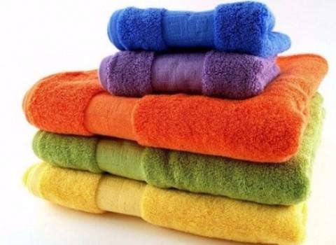 πετσέτες ζωντανέψουν αφράτες αλάτι στέγνωμα ατμός σιδέρωμα