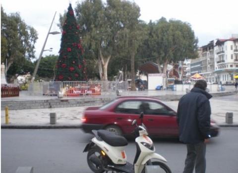 χριστουγεννιάτικο χωριό πλατεία Ελευθερίας