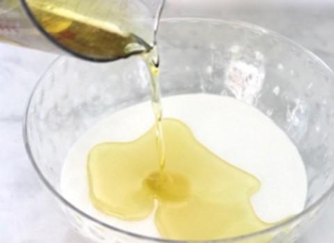 scrub με ζάχαρη και ελαιόλαδο