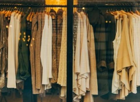 εκπτώσεις προσφορές μανώλης κουμαντάκης αγορά εμπορικός σύλλογος μαγαζιά
